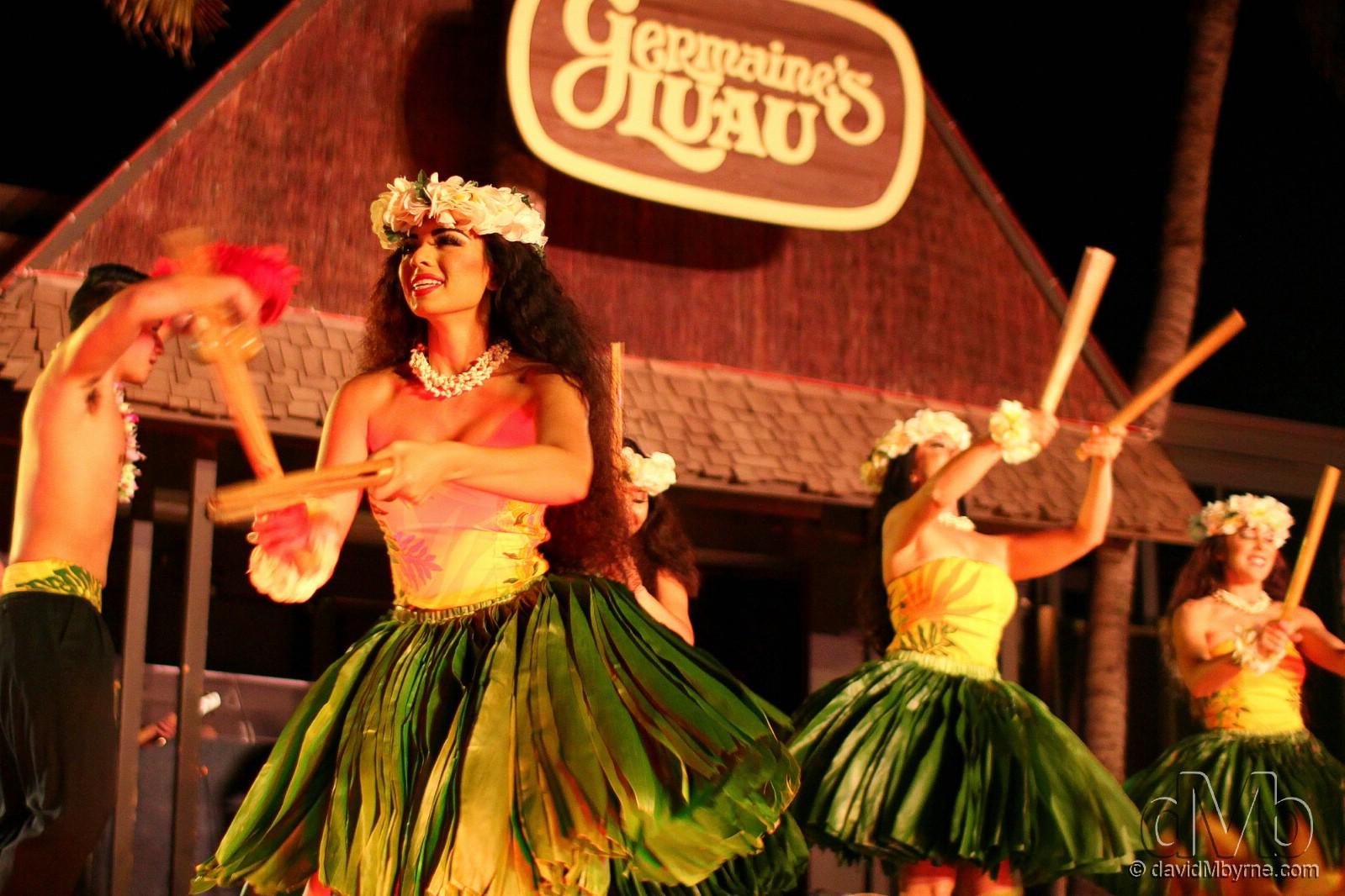 Kane (men) & wahine (women) dancers at Germaine's Luau, Oahu, Hawaii, USA. February 27th 2013 (EOS 60D || Sigma 30mm f/1.4 || 30mm, 1/100sec, f/1.4, iso1250)