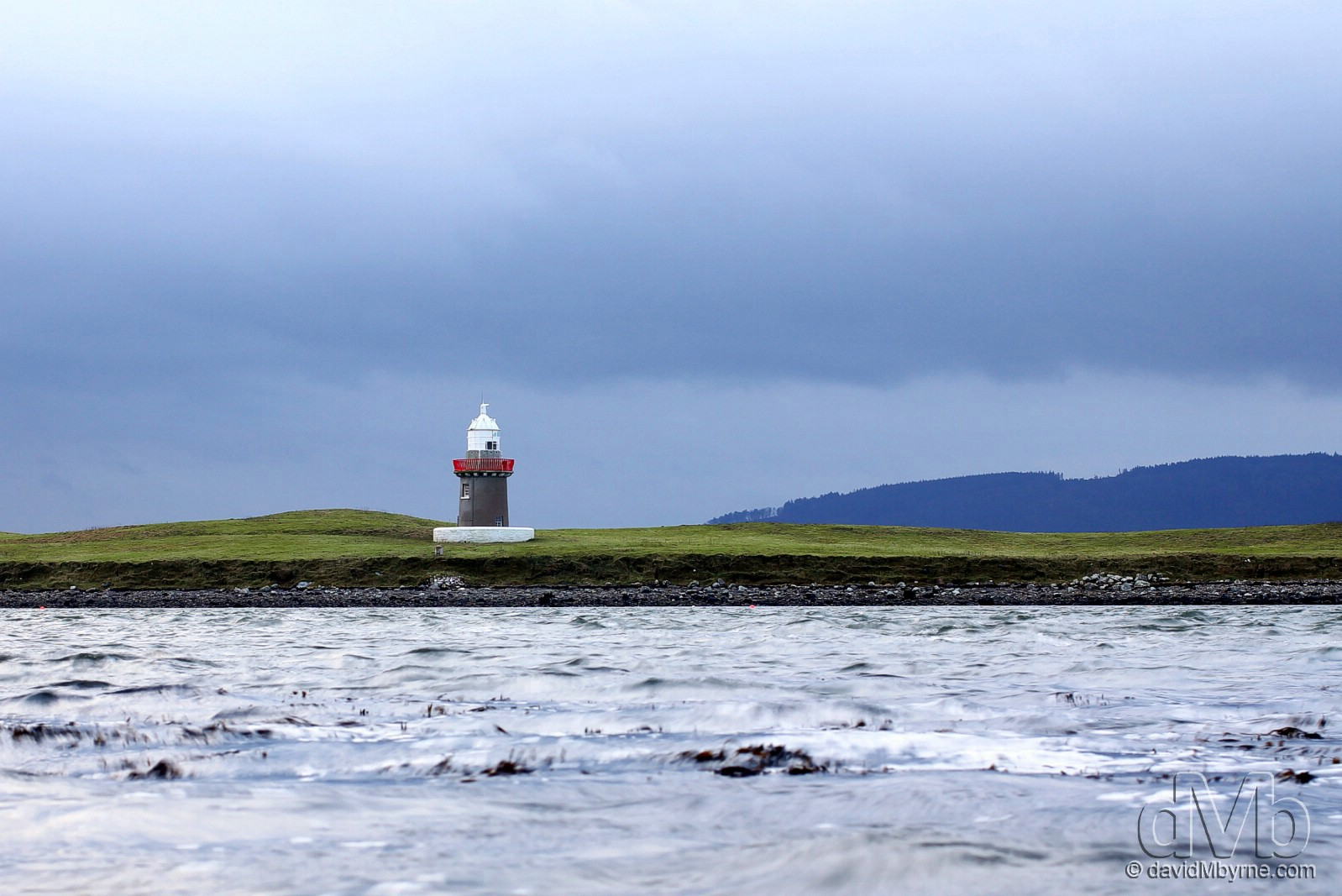 A lighthouse near Rosses Point in County Sligo, Ireland. January 5th 2013 (EOS 60D || Canon 40mm f/2.8 || 40mm, 1/8sec, f/7.1,  iso100)